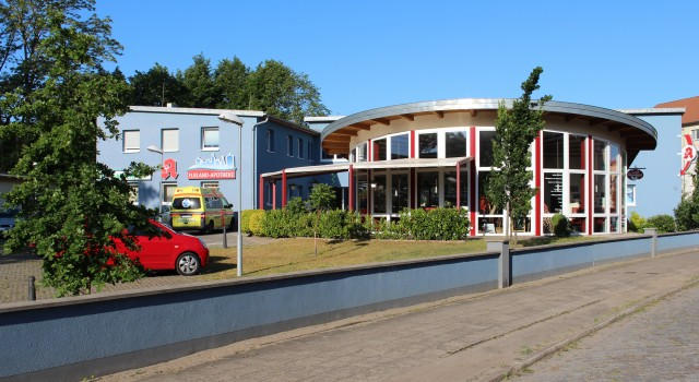 Umbau  zum Ärztehaus &  Neubau Café